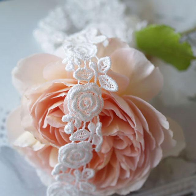 薔薇と蕾のケミカルレース