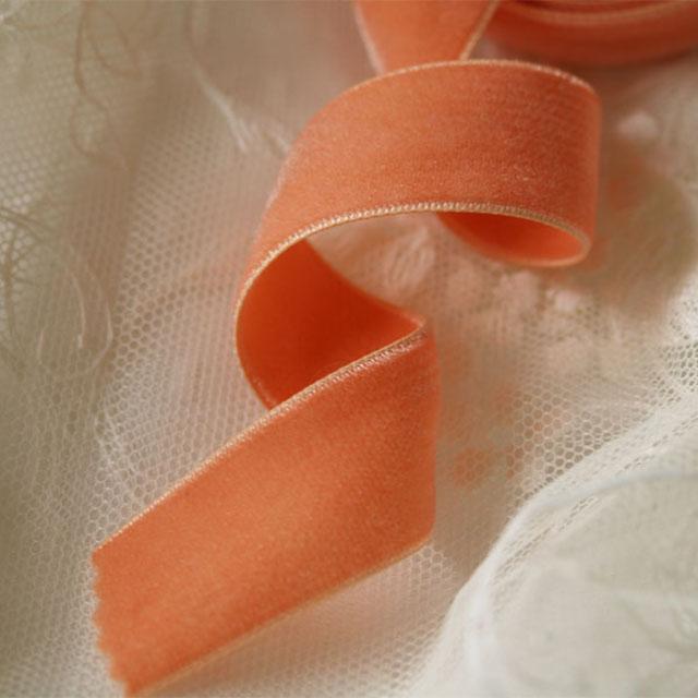 オレンジ色ベルベットリボン