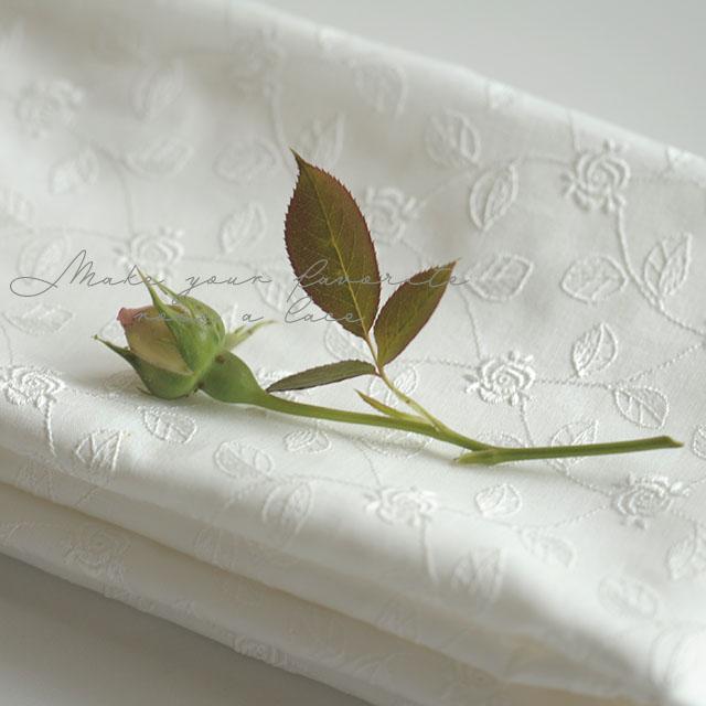 綿ローンにつるバラ模様ホワイト